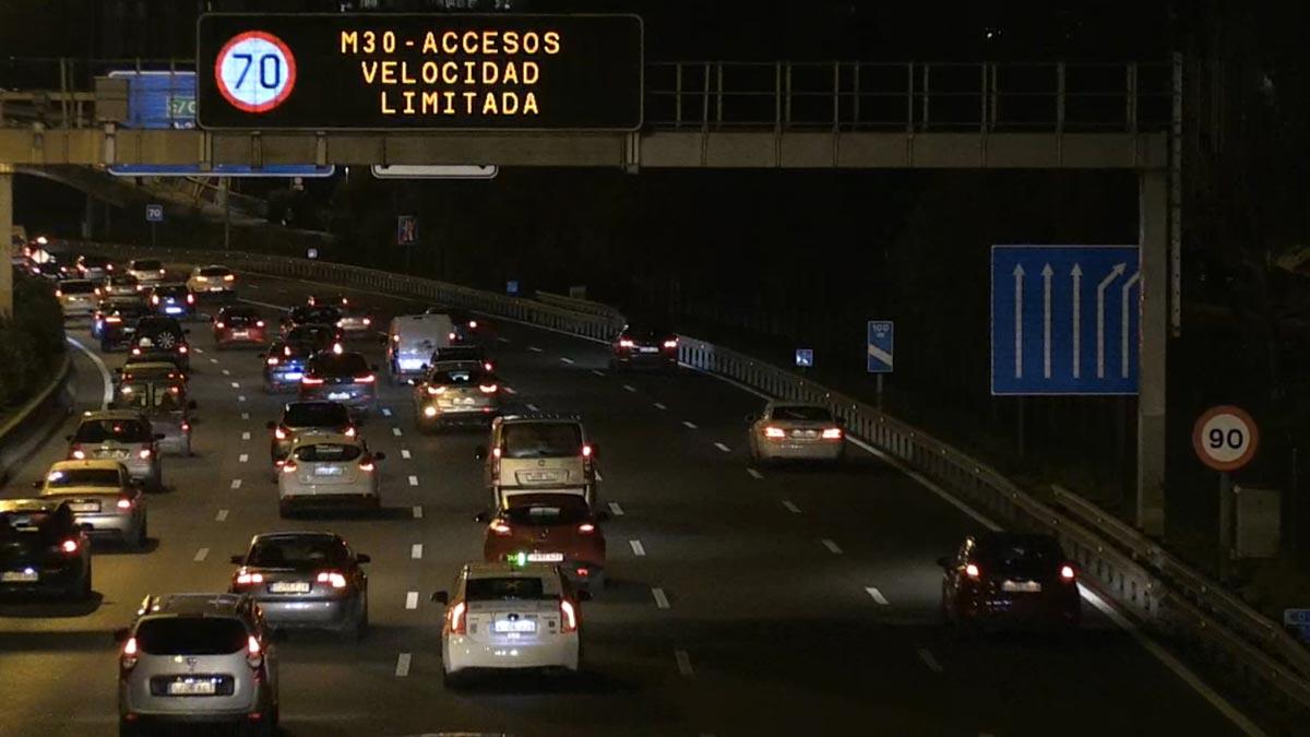 Madrid amanece con limitaciones de velocidad por la contaminación.