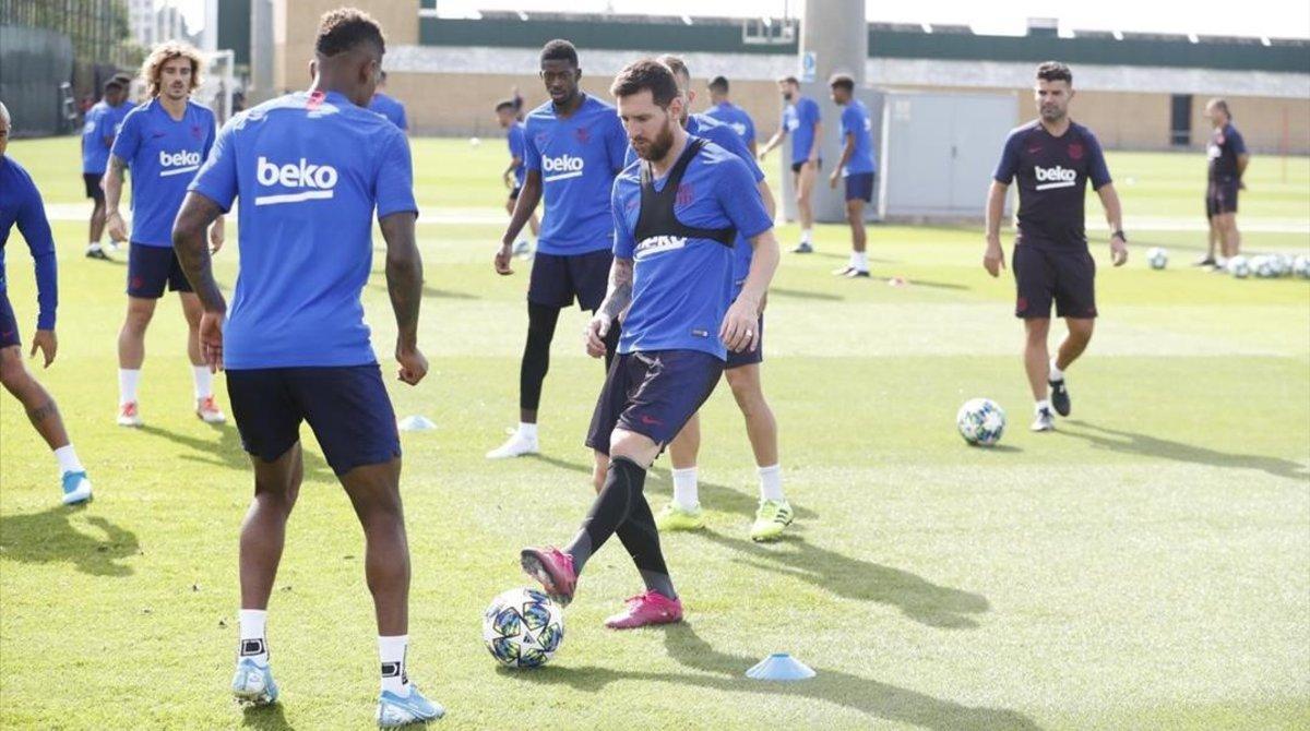 Messi se entrena de nuevo con el grupo tras el Barça-Valencia