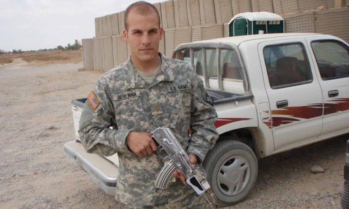 En 2009, una corte marcial condenó a Behenna a 25 años de prisión por los cargos de asesinato no premeditado y de violar el código militar.