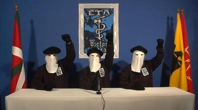 ETA comunica por carta a varios agentes su decisión de disolverse