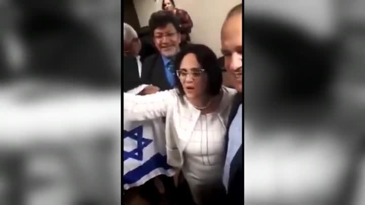 La ministra de Familia de Brasil: Los niños de azul y las niñas de rosa.