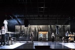 Un momento de la obra Beware of pity (La impaciència del cor), en el Teatre Lliure.