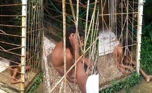 Una mujer de más de 50 años estaba desnuda y enjaulada durante 10 años en la casa de su propia hermana.