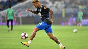 Neymar, en un entrenamiento con Brasil en Riad.