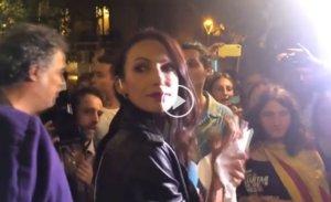 La periodista agredida de Tele 5 en el vídeo de la cadena.