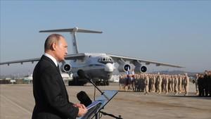 El presidente ruso, Vladímir Putin, en una visita a las tropas en Siria, el 11 de diciembre.