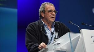 El presidente de Telefónica, César Alierta, sin corbata.