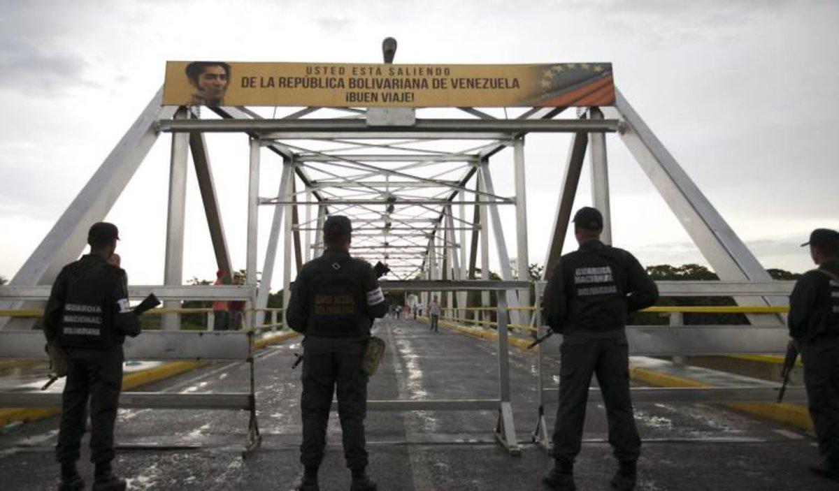 Puente José Antonio Páez en la frontera de Venezuela y Colombia.