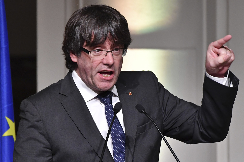 El 'expresident' Puigdemont configura su lista electoral con personalidades del catalanismo políticocomo JordiSánchez, Joan Rigol o Marina Geli.