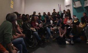 Reunión en la entidad Rubí Acull, en la que se convocó la manifestación.