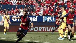 Roberto Torres celebra el 1-0 en el arranque de partido en el Sadar.