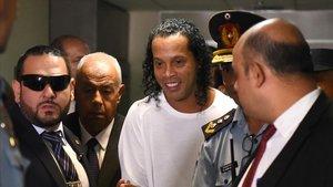 Ronaldinho, en el Palacio de Justicia de Asunción.