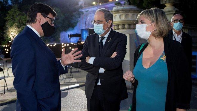 El ministro de Sanidad, Salvador Illa, el 'president' Quim Torra y la 'consellera' de Salut, Alba Vergès, en el homenaje de la Generalitat a las víctimas del coronavirus