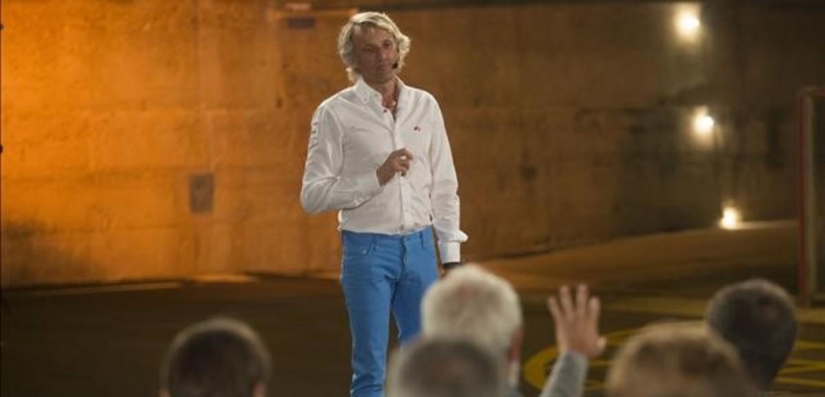 Jesús Calleja, en L'Ampolla (Baix Ebre), durante la grabación del programa 'Volando voy' (Cuatro).