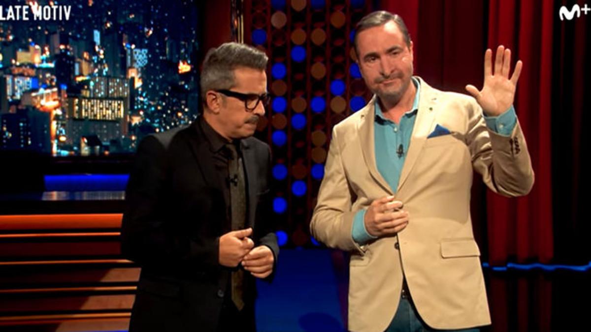 Andreu Buenafuente yRaúl Pérez, que imitaal periodista Carlos Herrera, en el programa Late motiv, de #0.
