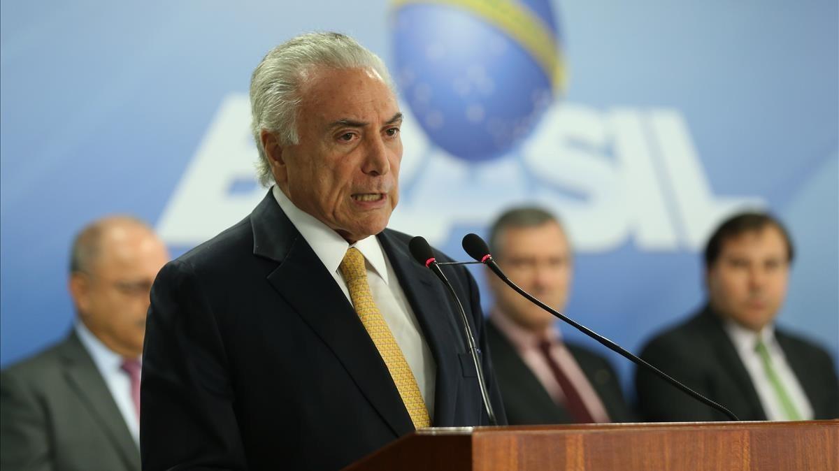Temer, durante la firma del decreto de intervención federal en la seguridad pública en el estado de Río de Janeiro, el 16 de febrero, en Brasilia.
