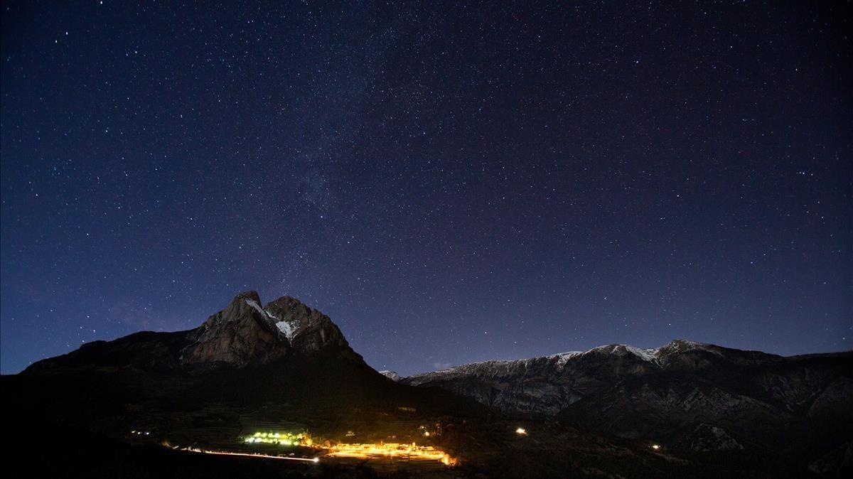 Timelapse de Saldes, el pueblo con el mejor cielo de Catalunya con el Pedraforca al fondo