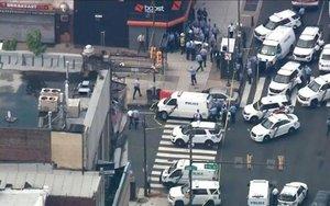 La policía de Filadelfia, responde a un tiroteo en el centro de esta ciudad de los EEUU.