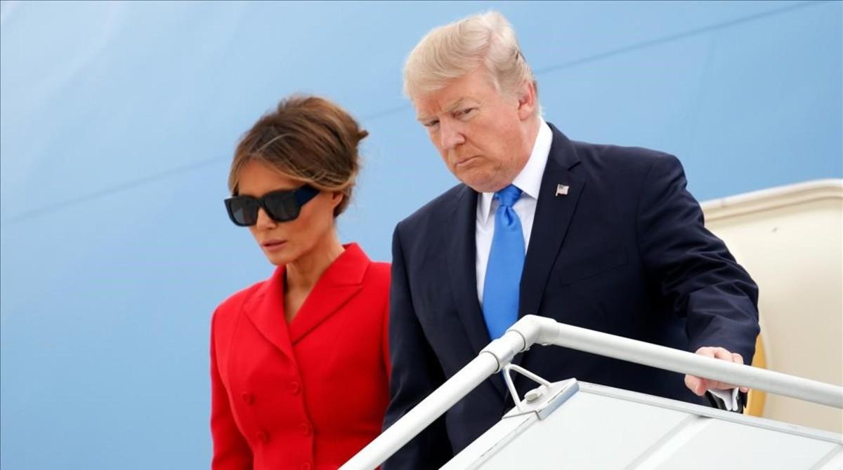 Donald Trump yMelania Trump a su llegada el jueves a París.