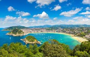 Vista aérea de la Playa de la Concha (San Sebastián, País Vasco).