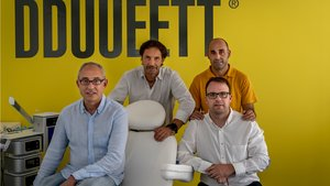 Xavier Samsó, en el centro, junto a los demás directivos de DDUUEET: Carles Gallifa, Xavier Closa (sentados) y Joan Parera.