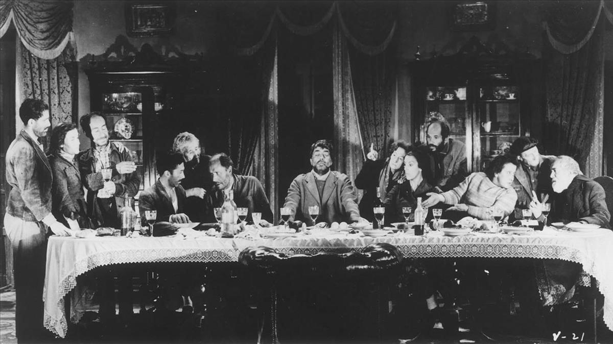 La célebre escena de 'Viridiana' que recrea la Santa Cena con mendigos.