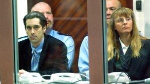 Michel Lelièvre y Michelle Martin, novia de Marc Dutroux,durante el juicio por el caso de asesinato y pederastia, en el 2004.