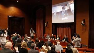 """Puigdemont promet la Constitució per """"imperatiu legal"""""""