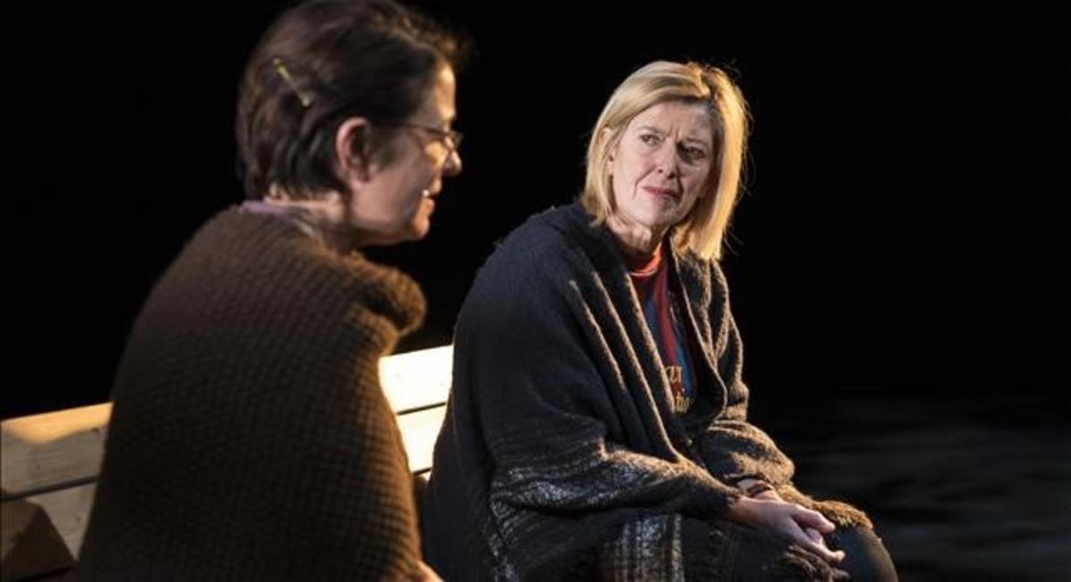 Eugenia Alonso y Lina Lambert, en la obra que dirige Gabriela Izcovich en la Beckett.