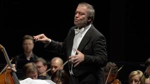 Gergievdirigiendo ala Orquesta del Mariinski en el Auditori el pasado martes.