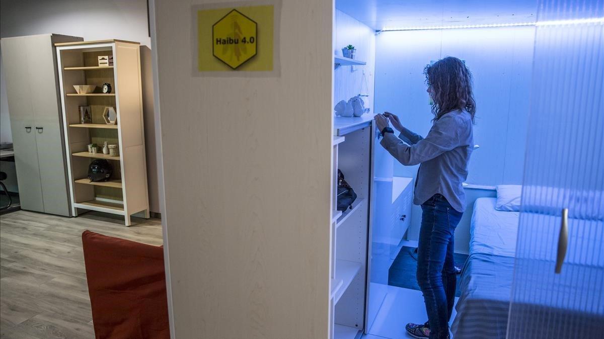 Els 'pisos rusc' desafien Colau amb imminents obertures