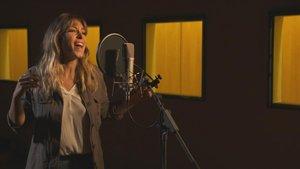 Gisela canta per a 'Los Lunnis'