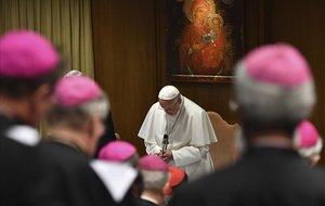 El papa Francisco abre el encuentro para la Protección de la Infancia en el Vaticano.
