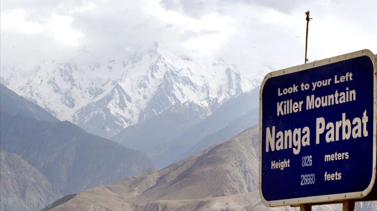 Hallan los cuerpos del alpinista italiano y británico en montaña de Pakistán