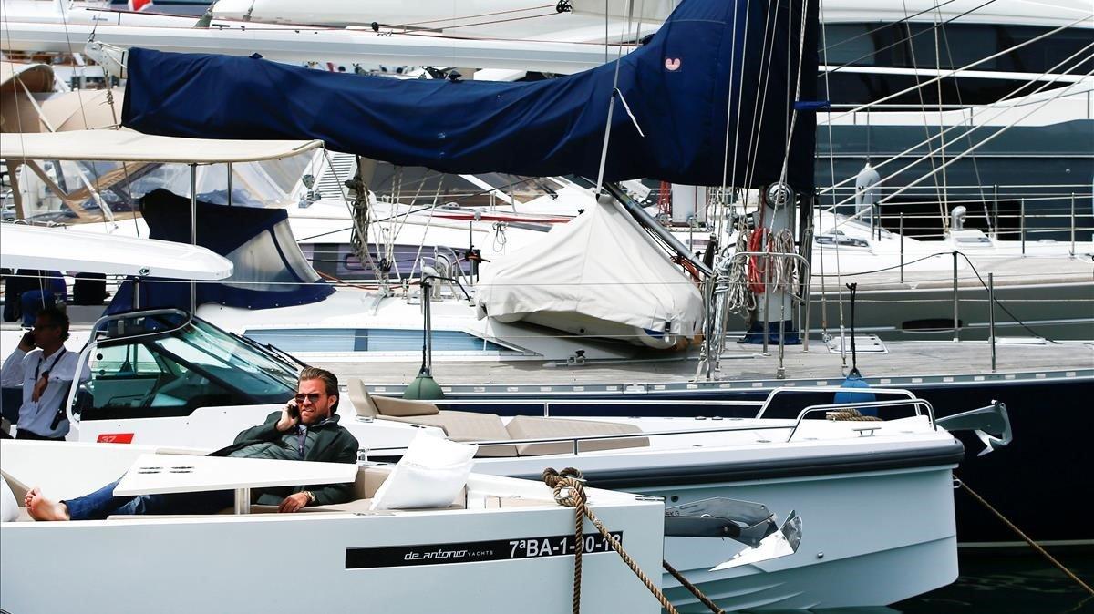 Yates de lujo en el puerto de Barcelona.