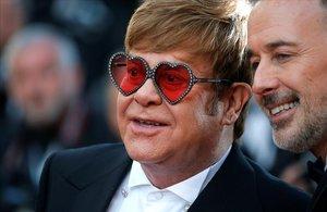 El gran temor d'Elton John: morir sense veure créixer els seus fills