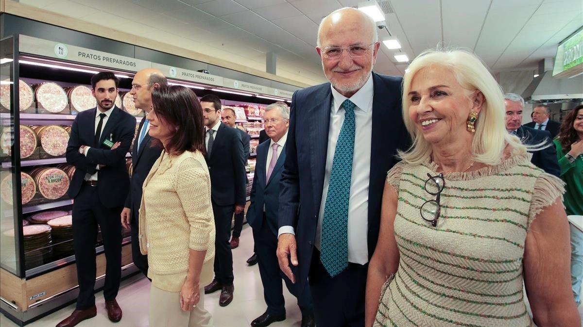 Roig con su esposa y vicepresidenta, Hortensia Herreroen el nuevo establecimietno de Vila Nova de Gaia.
