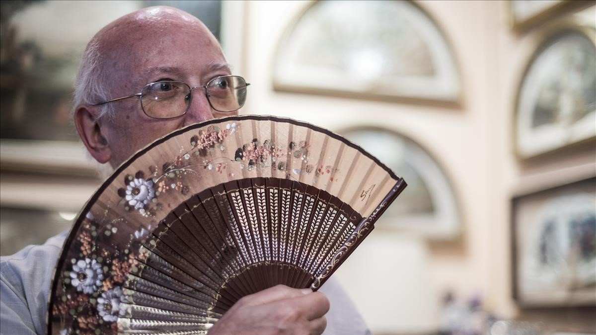 Josep Albert Ymbert dedicó su vida profesional a importar, fabricar y vender abanicos, desde Barcelona.
