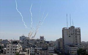 Tornen els llançaments de coets des de Gaza malgrat l'alto el foc