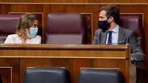 Cuca Gamarra y Pablo Casado, en la sesión de control al Gobierno, en el Congreso el pasado 23 de septiembre.