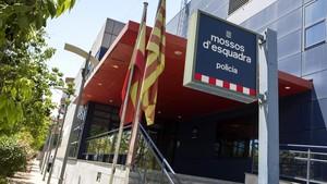 Comisaría de Mossos dEsquadra en el barrio del Pomar de Badalona.