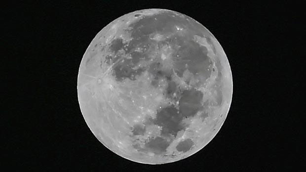 Superluna, eclipse lunar, luna de sangre y luna azul, todo junto en una misma noche