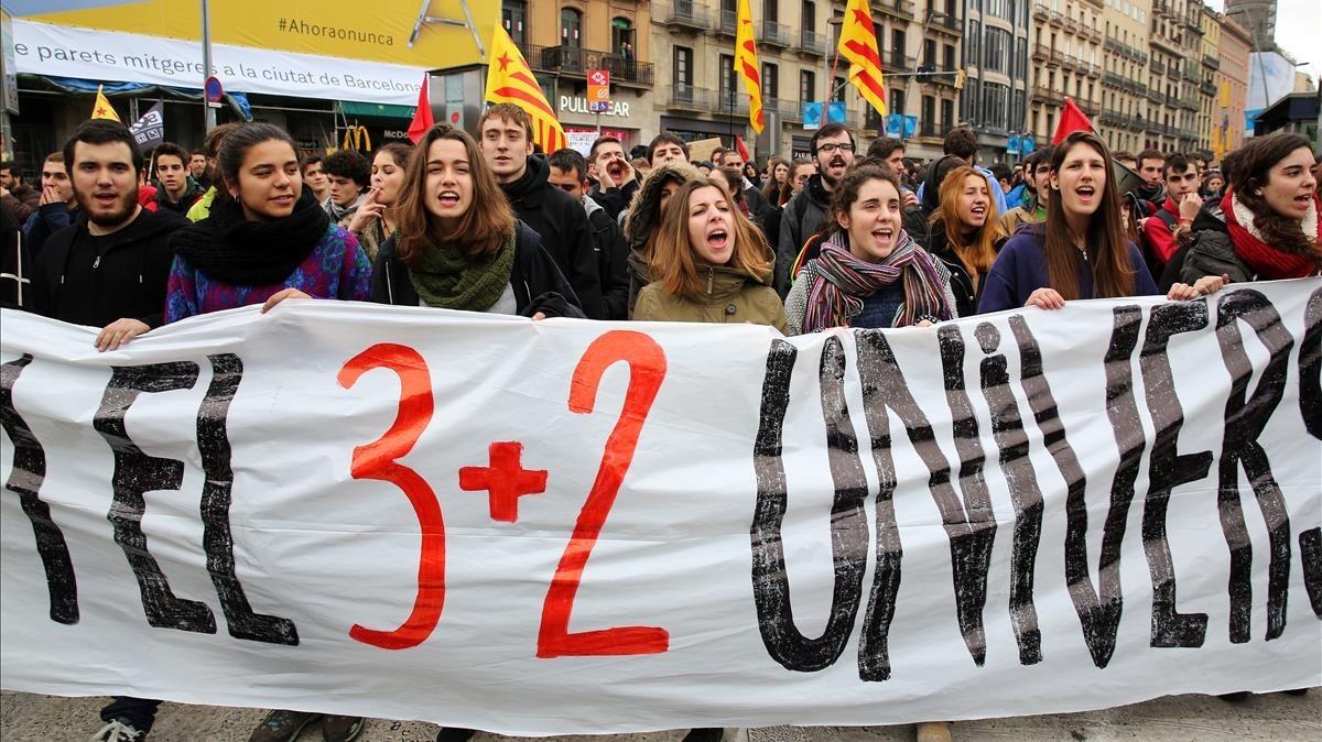 zentauroepp28837652 barcelona 26 92 2015 sociedad manifestacion de estudiantes c180313144128