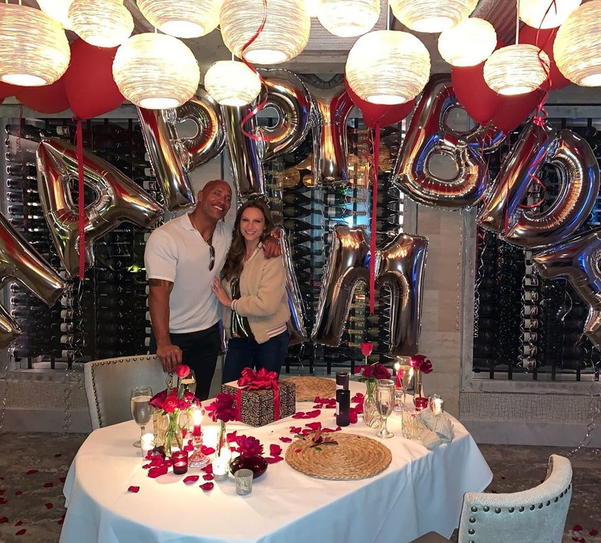Dwayne 'La Roca' Johnson es casa a Hawaii