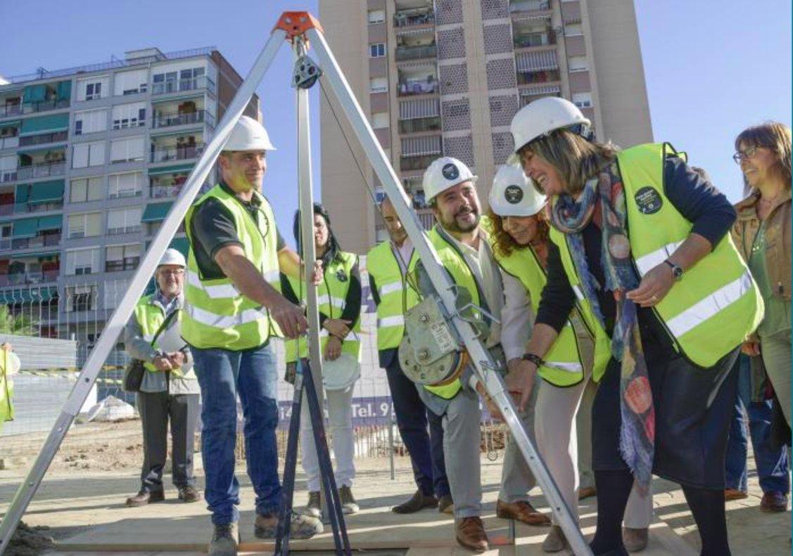 La alcaldesa de LHospitalet, Núria Marín, en el acto de inauguración de las obras este miércoles