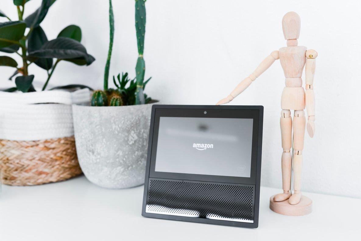 Amazon Alexa Echo Show.