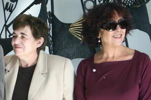 Ana María Moix y Maruja Torres en un acto de homenaje a Terenci Moix en el 2005.