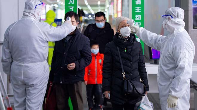 Aumentan a 2.004 los muertos y a 74.185 los contagiados por el coronavirus en China.