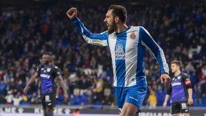 Borja Iglesias celebra un gol esta temporada en el RCDE Stadium.