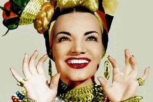Carmen Miranda, en una de sus imágenes icónicas.